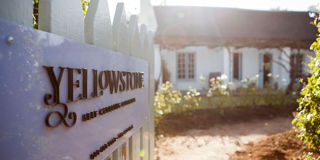 yellowstone cottages website development